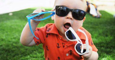 Çocuklarda ve Bebeklerde Güneş Gözlüğü Kullanımı!